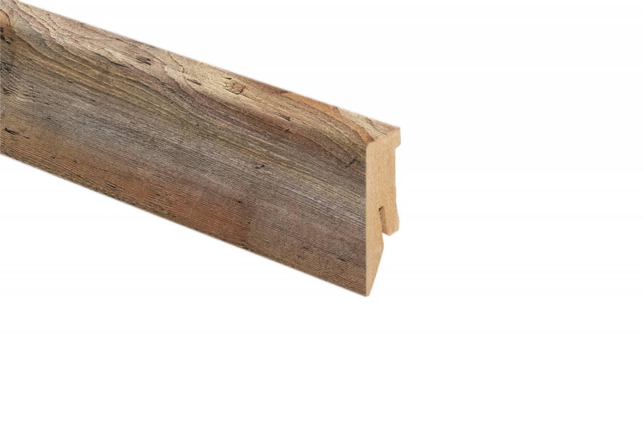 MDF дървесен подов перваз с кабелен канал и височина 50 мм.Дължина 2.6 м. Подходящ за ламиниран паркет в кафяв цвят.