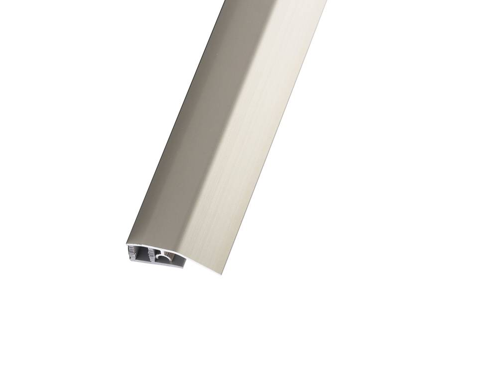 Алуминиева рамповата лайсна с цвят стомана, подходящa за плавно свързване на ламинат и паркет с различна височина